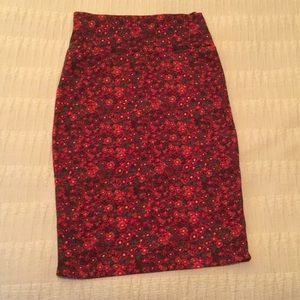 Lularoe soft shaped pencil skirt in red floral